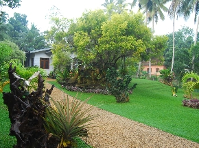 Lands and property in hanwella out of colombo for Garden designs in sri lanka