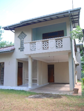 Lands and property in matugama out of colombo for Balcony designs pictures sri lanka
