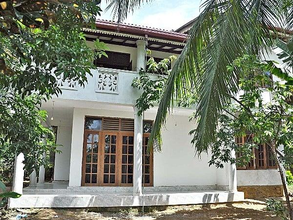 Lands and property at kapruka for Door window design sri lanka