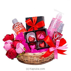 Strawberry Kiss By Sweet Buds at Kapruka Online for specialGifts