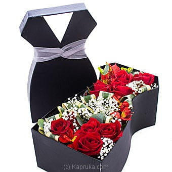 Dressed In Red Roses- Mix Of Sandriyana Gold And Red Roses Online at Kapruka | Product# flowers00T1184