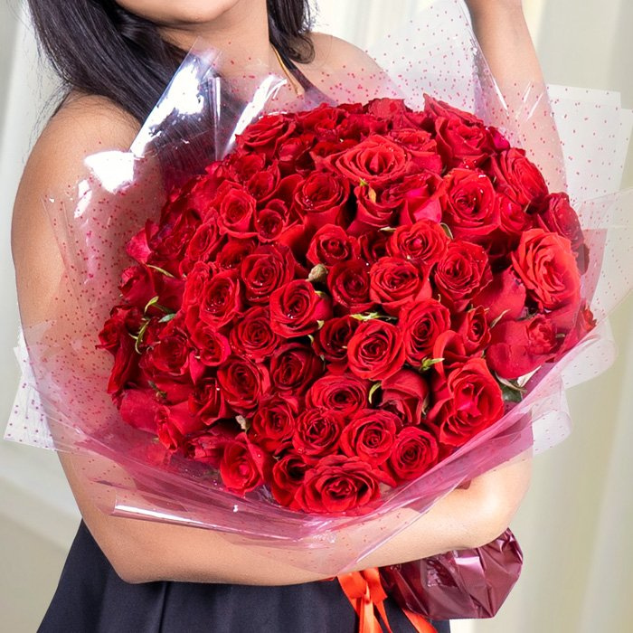 100 Red Rose Bouquet Online at Kapruka | Product# flowers00E16