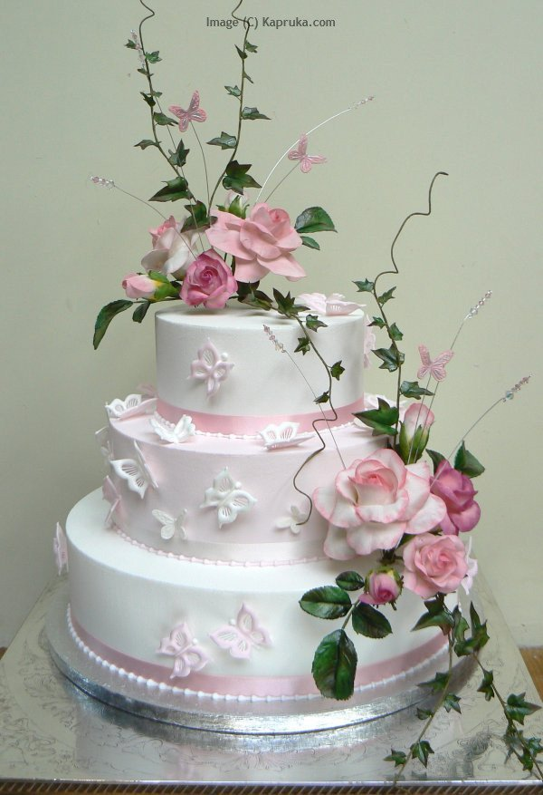 How Long Before The Wedding Should I Order The Cake