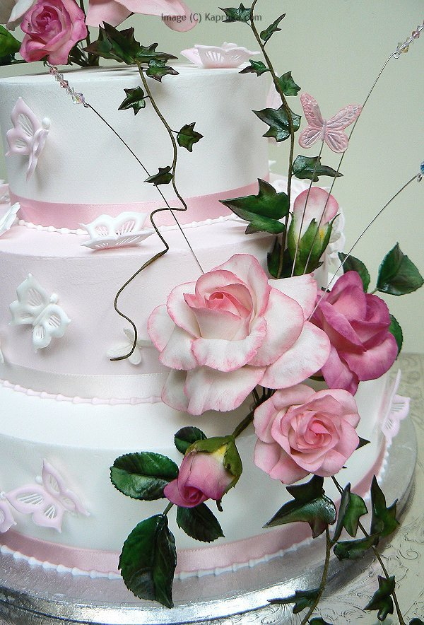 Cake Decorating Accessories In Sri Lanka : Kapruka Wedding Cakes in Sri Lanka